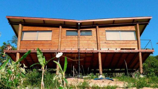 Poteaux en bois sur pilotis - Small-House-Bliss par Cabana-Arquitetos - Brésil