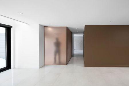 Couloir - Résidence du Tour par Architecture Open Form - Québec, Canada
