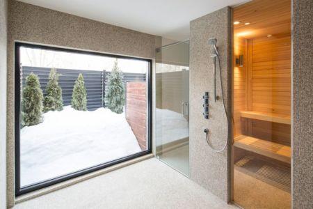 Entrée salle de bains - Résidence du Tour par Architecture Open Form - Québec, Canada