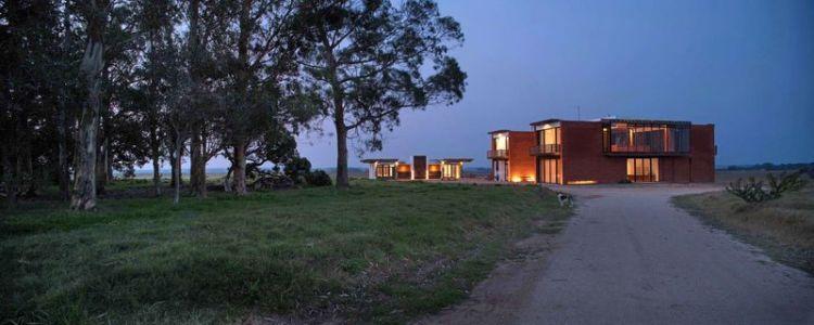 Route Principale Accès - Luna-Llena-House Par Candida Tabet - Punta Del Este, Uruguay