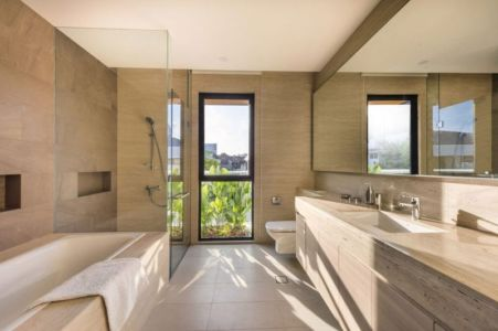Salle De Bains - Spacious-Home Par ADX Architects - Singapour