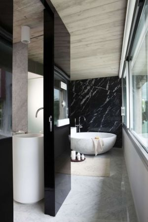 Salle De Bains - Summer-Residence Par Fuses Viader Architects - Calonge, Espagne