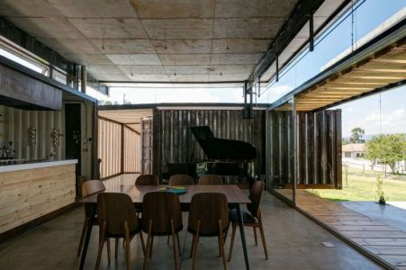 Salle Séjour & Baie Vitrée Coulissante - RDP House Par Daniel Moreno Flores - Pichincha, Equateur