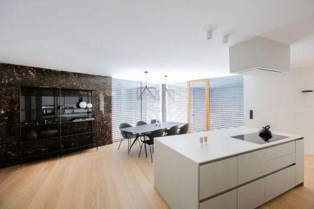 Salle Séjour & Cuisine - Maison En T Par SoNo Arhitekti - Slovénie