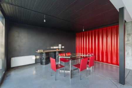 Salon - Container House par Schreibe Architect - Cordoba, Argentine.jpg