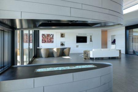 Salon et cuisine - filler-residence par Pique - Bend, USA.jpg