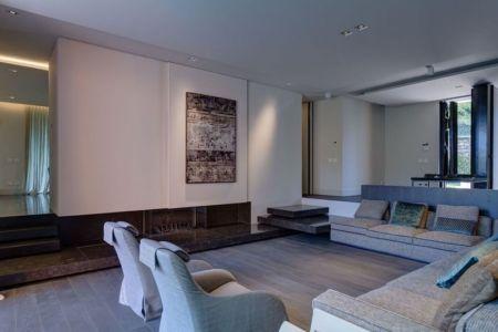 Salon principale - Wood-House par Marco Carini - Como, Italie