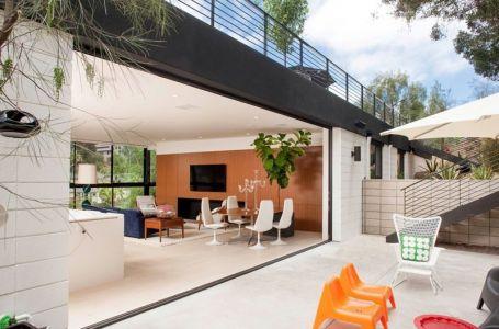 Salon Ouvert & Façade Terrasse - Mid-century-family-home Par Nakhshab - San Diego, USA