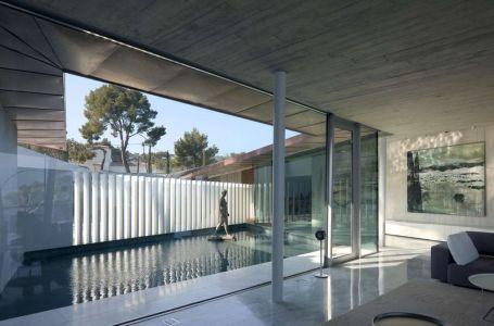 Salon & Piscine Intérieure - Summer-Residence Par Fuses Viader Architects - Calonge, Espagne