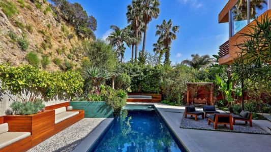 Salon Terrasse Design & Piscine - Wood-Clad-Home Par Space International - Los Angeles, Etats-Unis