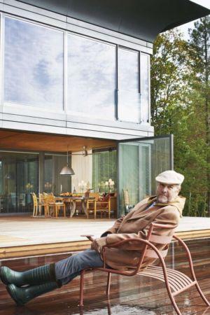 Starck sur la terrasse - P.A.T.H par Philippe Starck et Riko - Montfort, France