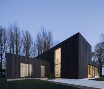 façade terrasse de nuit - huize-looveld par Studio Puisto Architects, Duiven, Pays-Bas