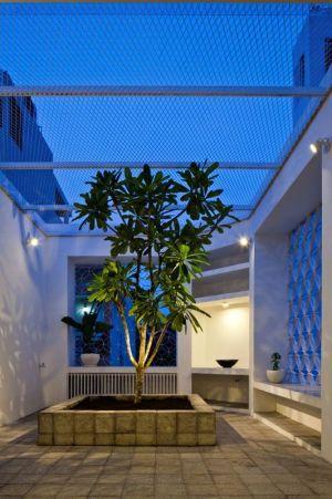 Terrasse Plante Illuminée - HEM-House Par Sanuki Daisuke - Ho Chi Minh, Vietnam