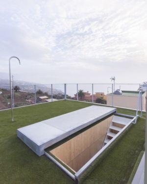 Toiture végétalisée en pelouse- g-house par Esau Acosta - El Sauzal, Espagne