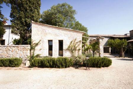 Grande bâtisse du Sud de la France - Avant