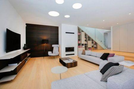 Vaste Salon & écran TV - Maison En T Par SoNo Arhitekti - Slovénie
