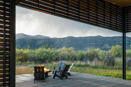 panorama et terrasse - Maison Contemporaine Bois par Carney Logan Burke Architects - Wilson, Usa