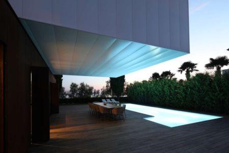 Veranda accès Entrée - Villa Materada par Proarh, Croatie.jpg