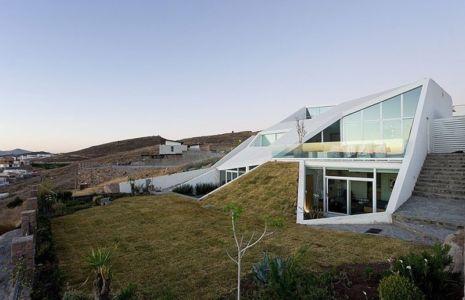 façade terrasse versant montagne - house-chihuahua par Productora - Chihuahua, Mexique