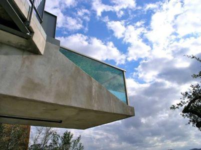Porte à faux de la piscine - maison en bois par andersson-wise, Mont Bonnel, USA.jpg