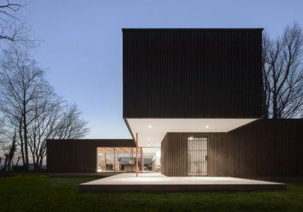 Vue Principale Nuit - huize-looveld par Studio Puisto Architects, Duiven, Pays-Bas