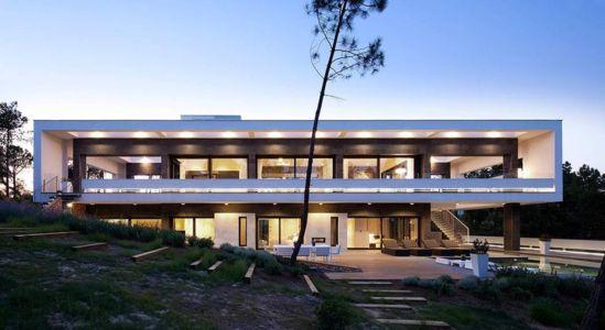 façade terrasse de nuit - la-vinya par Lagula Arquitectes, Malavella, Espagne.jpg