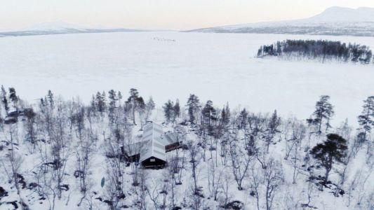 Vue panoramique sur lac et montagnes - femunden par Aslak Haanhuus Arkiekter - Femund, Norvege