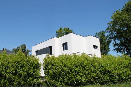 Vue droite haie - V&P - Maison contemporaine par Pascal Dupuis - France - Photo Jacky Abélard