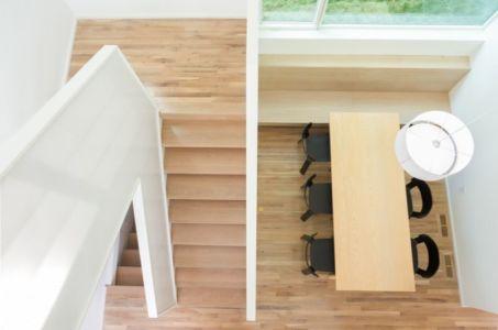 Vue panoramique escalier et salle séjour - Luminous-Home par D-O - Minnesota, USA