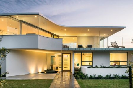 Vue sur Entree Principale - City Beach House - par Banham Architects - Perth, Australie.jpg