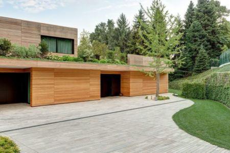 Vue toiture végétalisée & façade terrasse - Wood-House par Marco Carini - Como, Italie