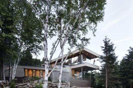 Vue Façade étage Avec Ouverture Vitrées - V-Shaped-Residence Par Bourgeois Lechasseur - Charlevoix, Canada