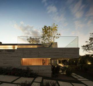 Vue Façade Vitrée Terrasse Toiture - Fazenda-Boa-Vista Par Fernanda Marques Arquitetos - Porto Feliz, Bresil