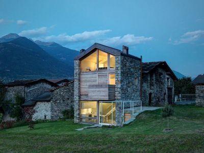 Vue Ouvertures Vitrées Illuminées - SV-House Par Rocco Borromini - Albosaggia, Italie