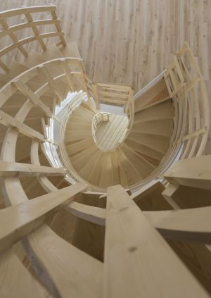 Vue Panoramique Escalier Bois En Spiral - Mosha House Par New Wave-Architecture - Mosha, Iran