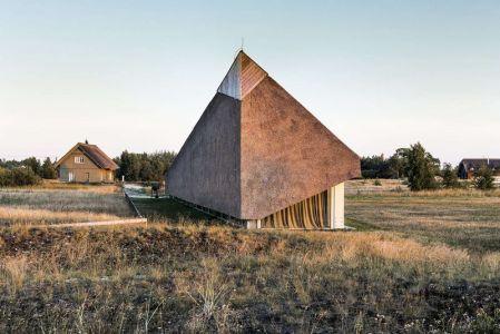 Vue Toiture Qui Rase Le Sol - Dune-House Par Archispektras - Lettonie