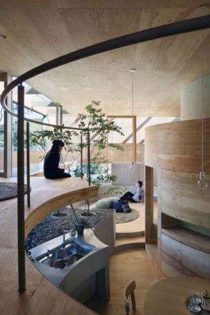 pièce de vie - pit-house par UID Architects - Okayama, Japon