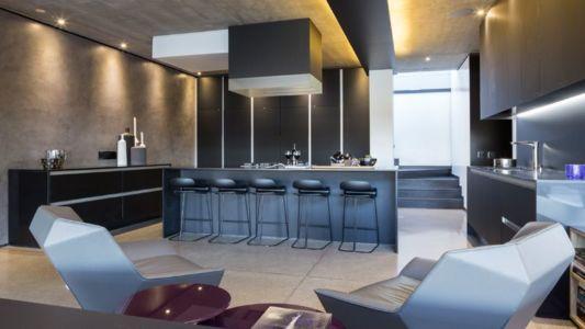 îlot central de cuisine - Kloof-Road-House par Nico van der Meulen Architects - Johannesburg, Afrique du Sud