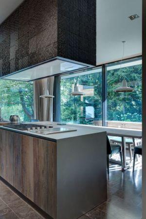 îlot central de cuisine - Wood-House par Marco Carini - Como, Italie