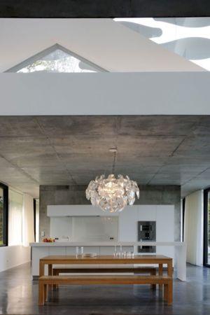 cuisine & séjour - maison-bord-lac par Pierre Minassian - Haute-Savoie, France