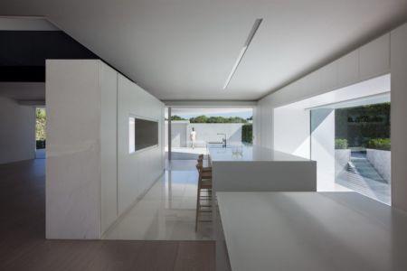 lot cuisine - Casa Balint par Fran Silvestre Arquitectos - Valence, Espagne