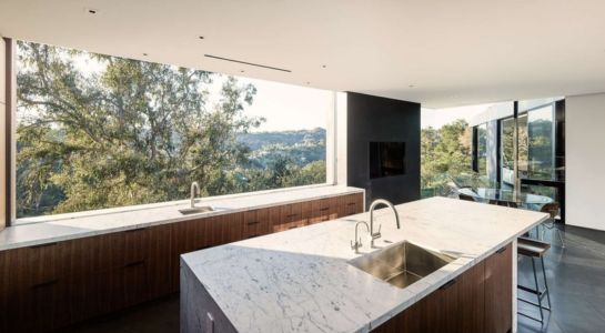 lot cuisine - Oak Pass Main House par Walker Workshop - Los Angeles, Usa