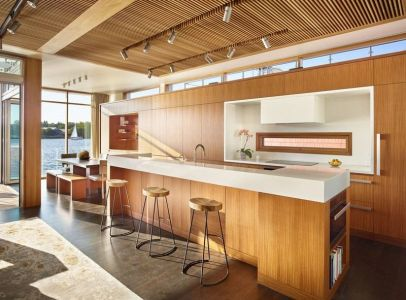 îlot De Cuisine & Plafond En Lamelles De Bois - Floating-Home Par Vandeventer-Carlander - Seattle, USA