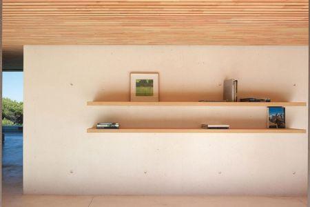 tagères - Alon House par AABE et Partners -France