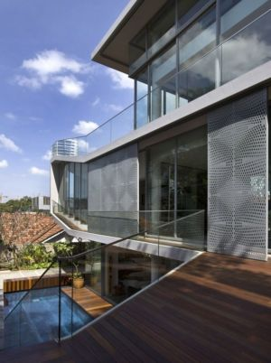 tage face piscine - OOI House par Czarl Architects - Singapour