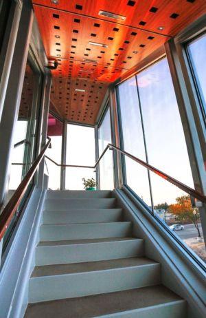 accès étage  - Flute house par The Think Shop Architects - Royal Oak , Usa