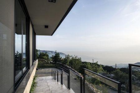 accès avant - Tahan Villa par BLANKPAGE Architects - Kfour, Liban