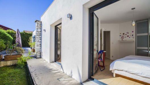 accès chambre extérieur - Villa Pop Art à Anglet, France