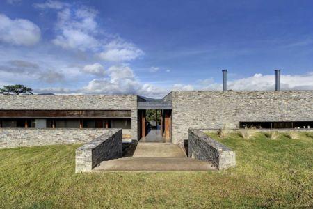 accès entrée - Casa BS par  Elías Rizo Arquitectos - Tapalpa, Mexique