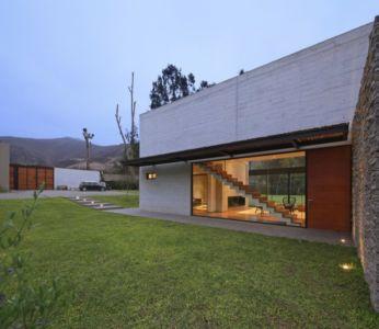 accès entrée - House b2 par Jaime Ortiz de Zevallos - Pachacamac District, Pérou